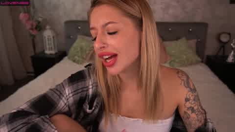 welcome to my room and let's go to fun! lush on   Cherry.tv
